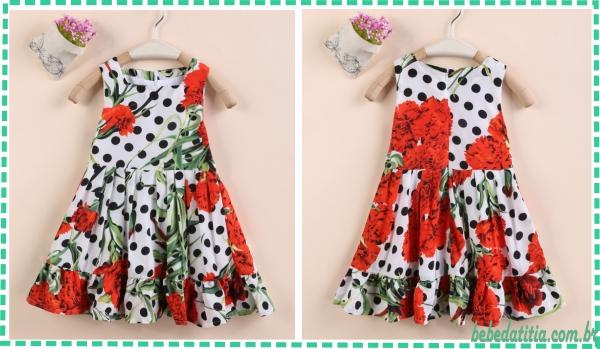 modelo-vestido-bolinha-flores